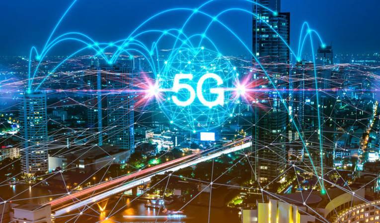 Sieć 5G – na czym polega? Czym różnią się nadajniki 5G od 4G?